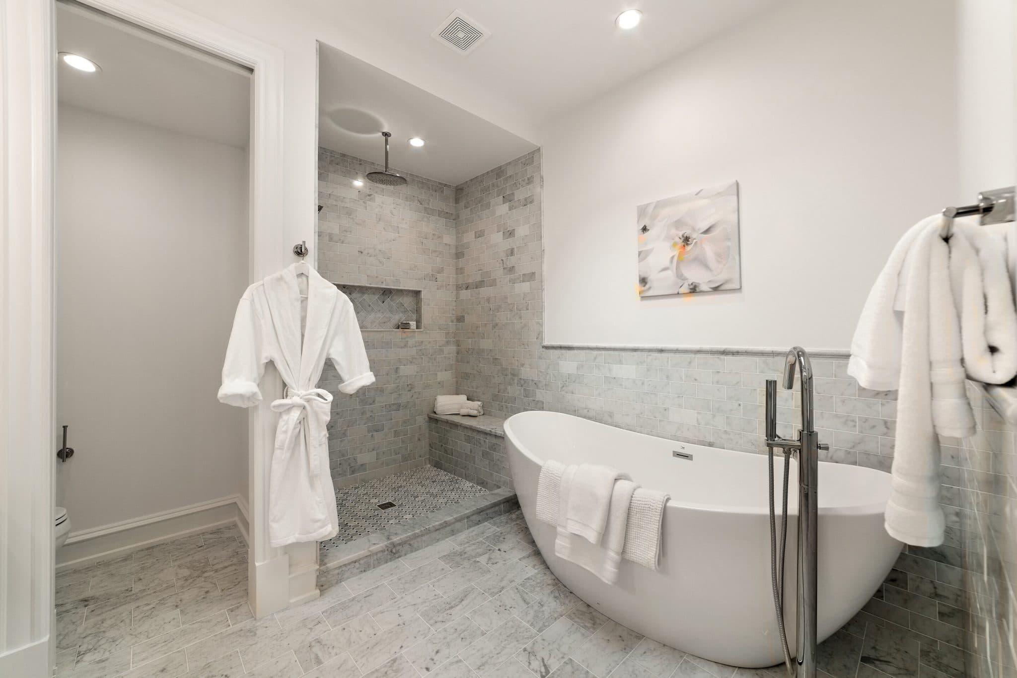 Dream Home Owner's Bath